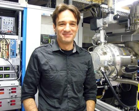 Dr. Patrick Oßwald - Flammenforscher an der Uni Bielefeld